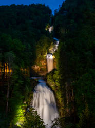 Giessbach waterfall at night