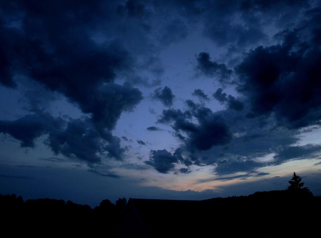Dark clouds by Achyewings