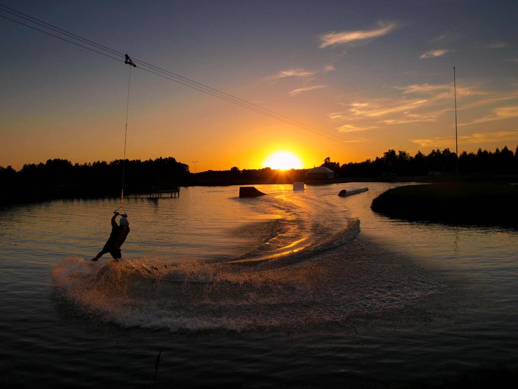 Water Skiing by Achyewings
