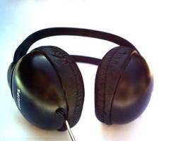 headphone by xcazu