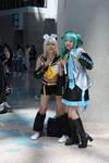 Kagamine Rin and Hatsune Miku
