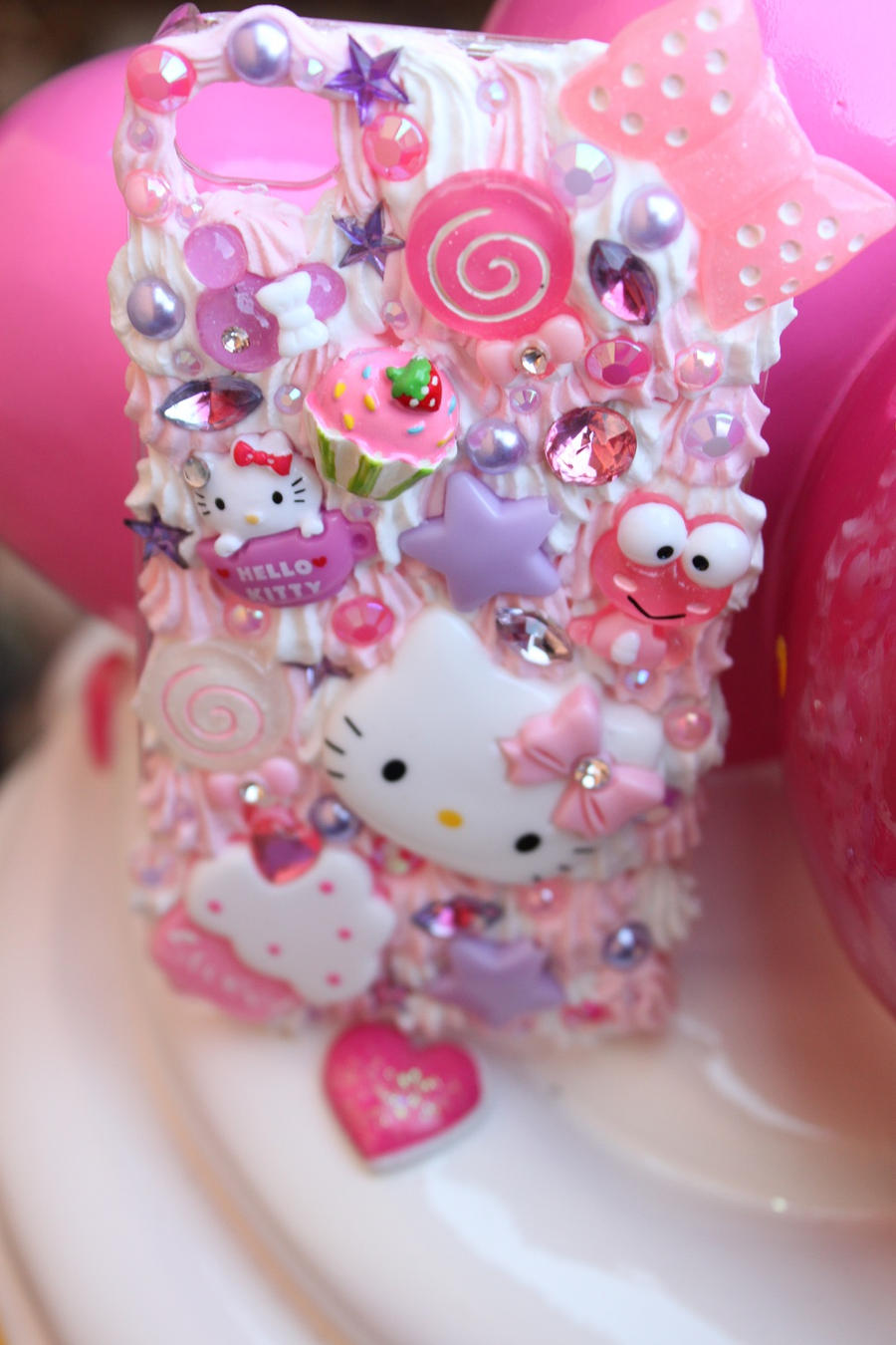 Hello kitty deco case by kittywooddesigns on deviantart - Deco chambre hello kitty ...