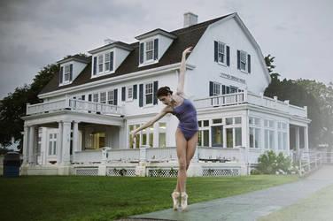 Ballerina by haania