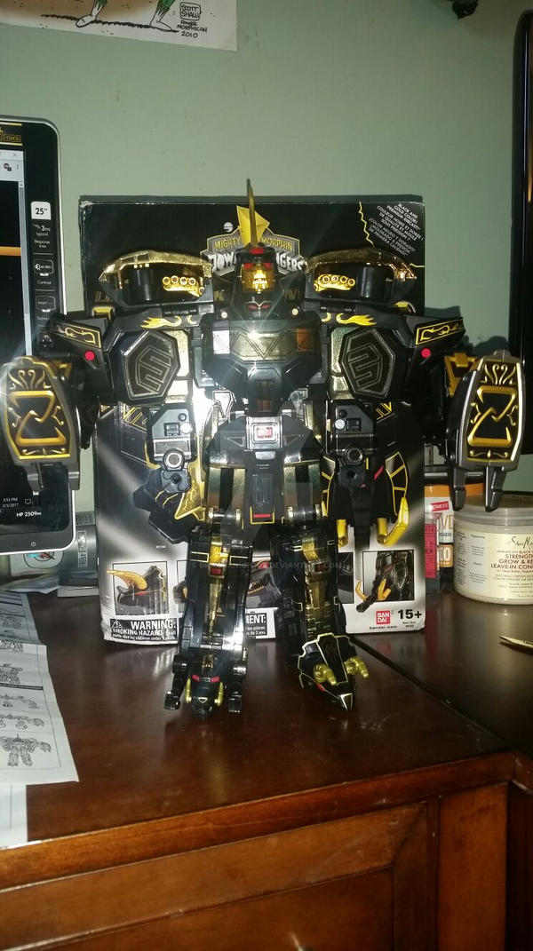 Limited  Edition Black and Gold UltraZord by DragoKnight88