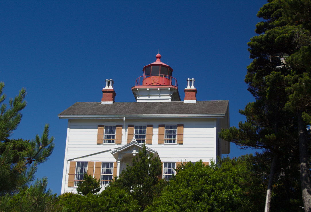 Yaquina Bay Lighthouse Summer 2015 by pricecw-stock