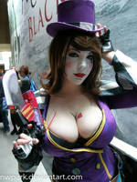 Mad Moxxi: First Round Is On Me