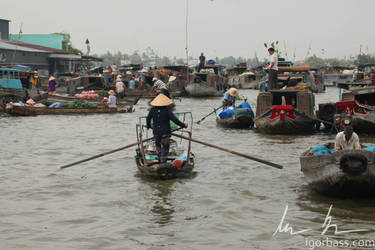 Can Tho floating market, Vietnam by kaitou-ace