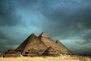 Pyramids by jerishoots
