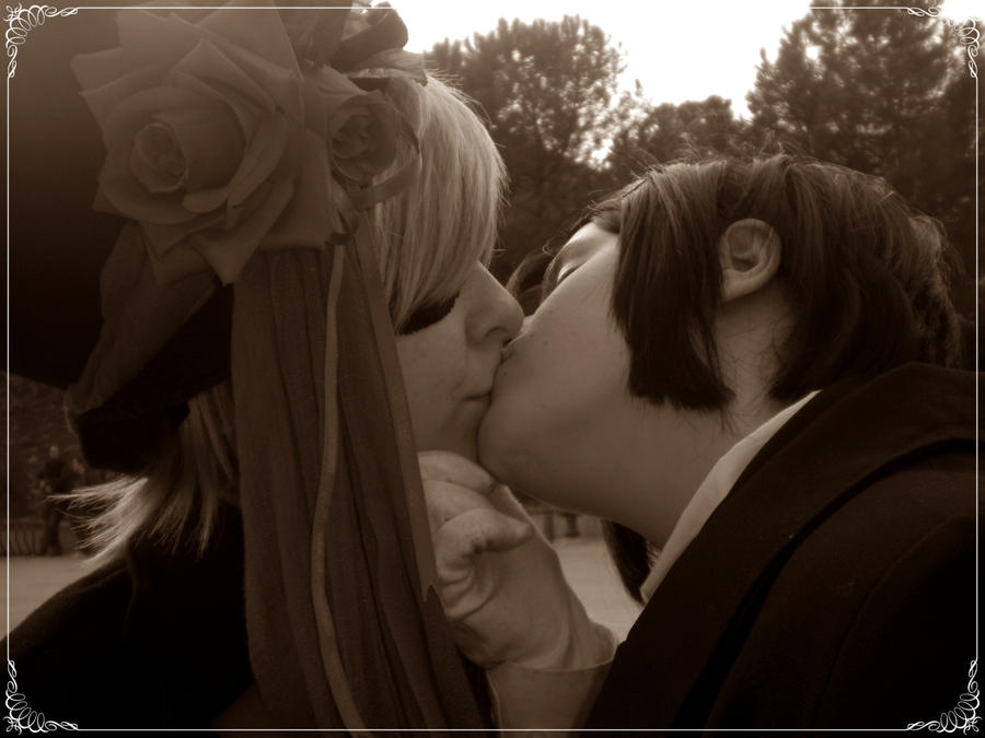 ciel and sebastian kiss -#main