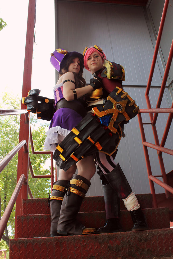 Police Womans - Vi and Caitlyn / League of Legends by Kibamarta