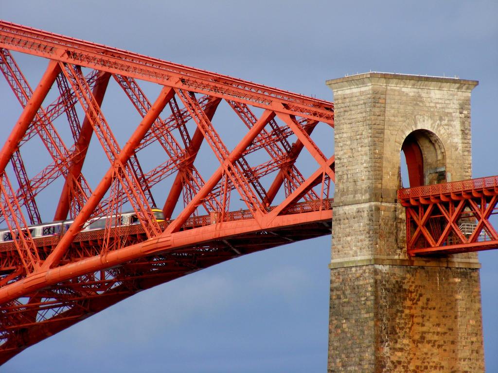 forth rail bridge by jannyman22