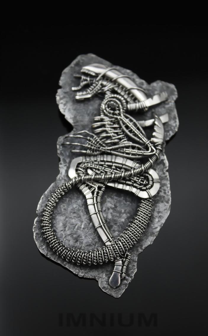 Alien pendant by IMNIUM