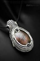 Mauve queen pendant by IMNIUM