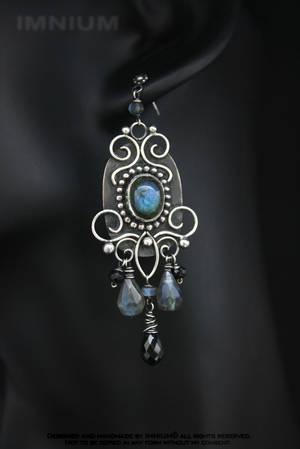 Baroque earrings by IMNIUM