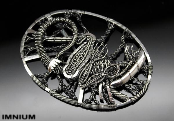 Alien Pendant IVa by IMNIUM