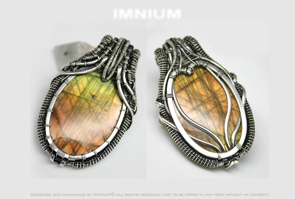 Double sided labradorite pendant