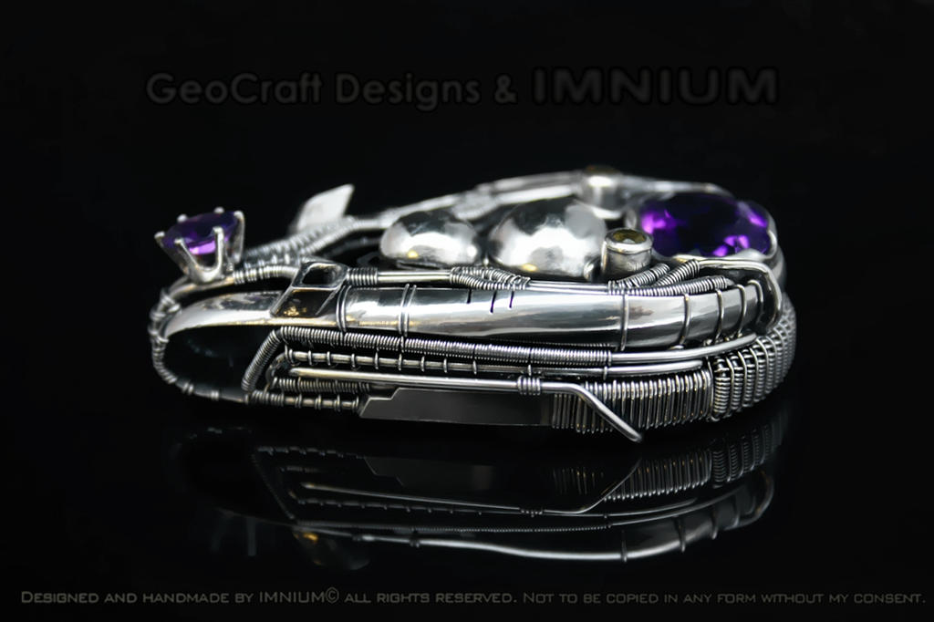 Amethyst and sapphire hybrid pendant by IMNIUM