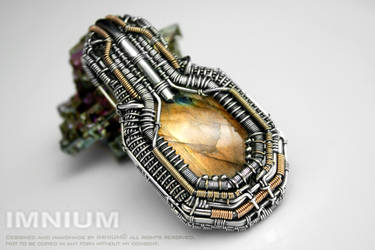 Golden orange labradorite pendant by IMNIUM