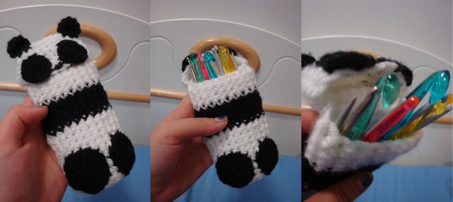~Panda says MOAAAM~ by Azuko-kun