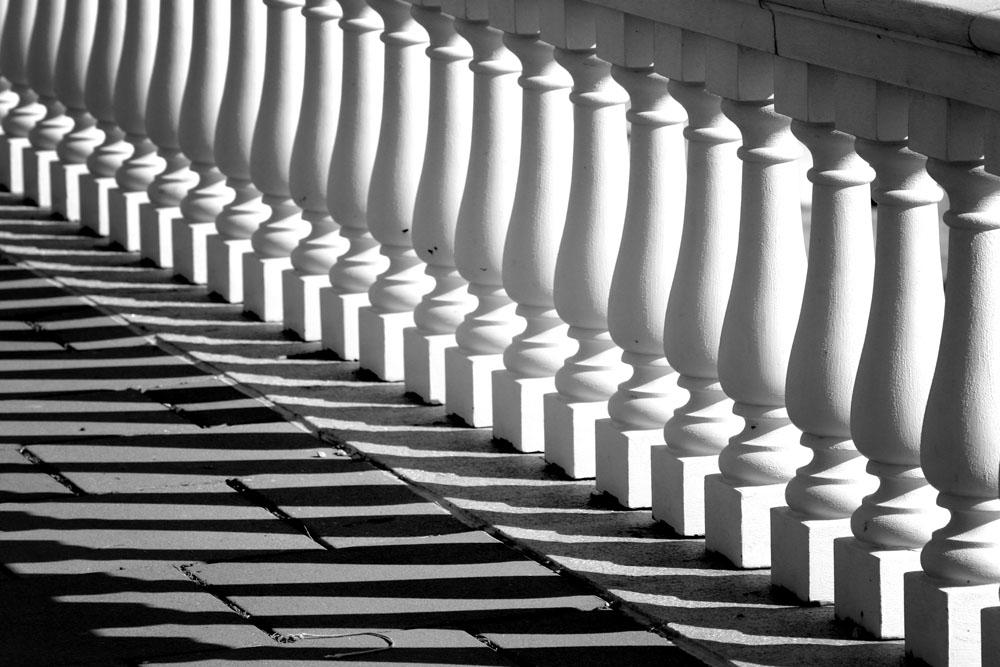 Repeating Pillars BW by kingkool6