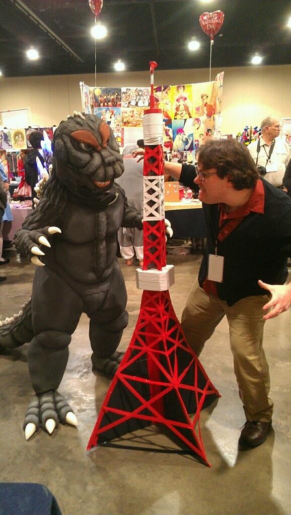 Godzilla VS K-Bo. by kevinbolk