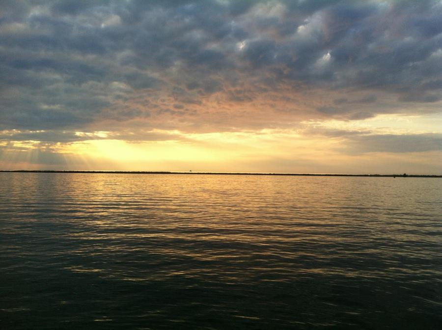 Sunset by BrokeSpirits