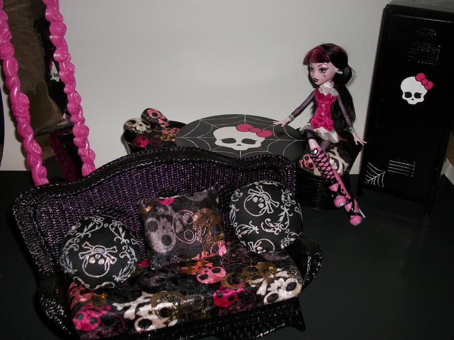 Monster High Custom Furniture By Micaelajones ...