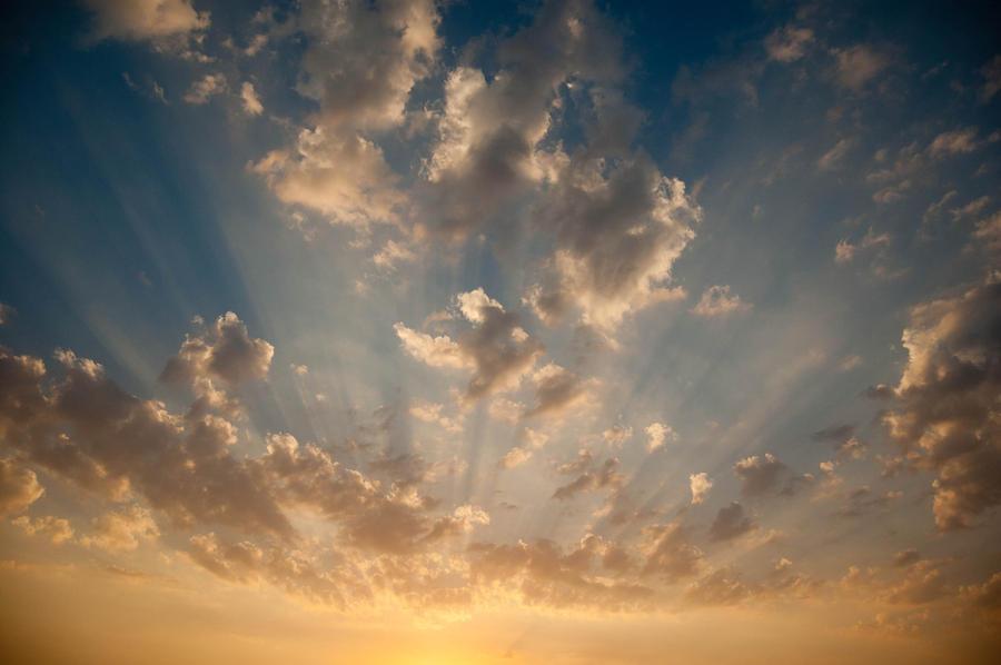 Dubia Skies by DecoYserbia