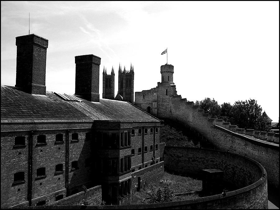 Lincoln Castle by gnomage