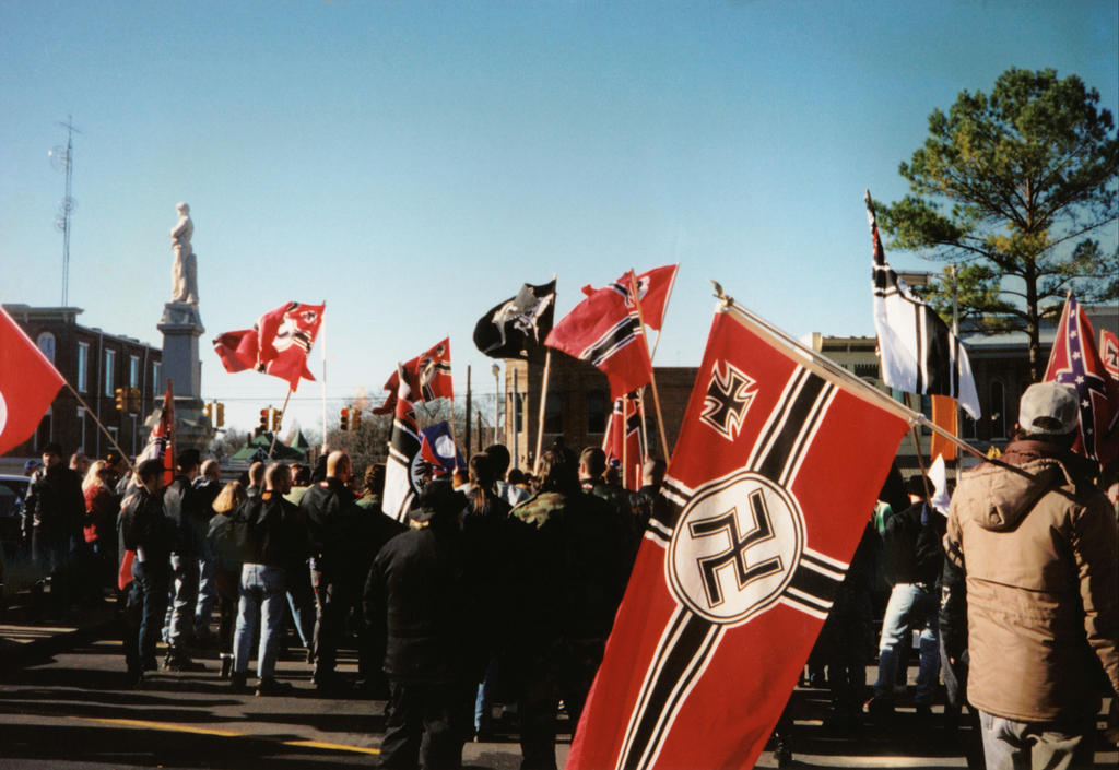 ku klux klan versus neo nazis Nazi party conclusion the kkk vs the nazis  you see between the ku klux klan and the nazis/neo-nazis  the ku klux klan and the nazi's are both groups that are .