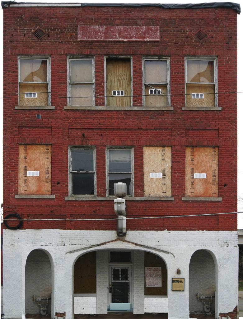 facade 014 by davidmcb