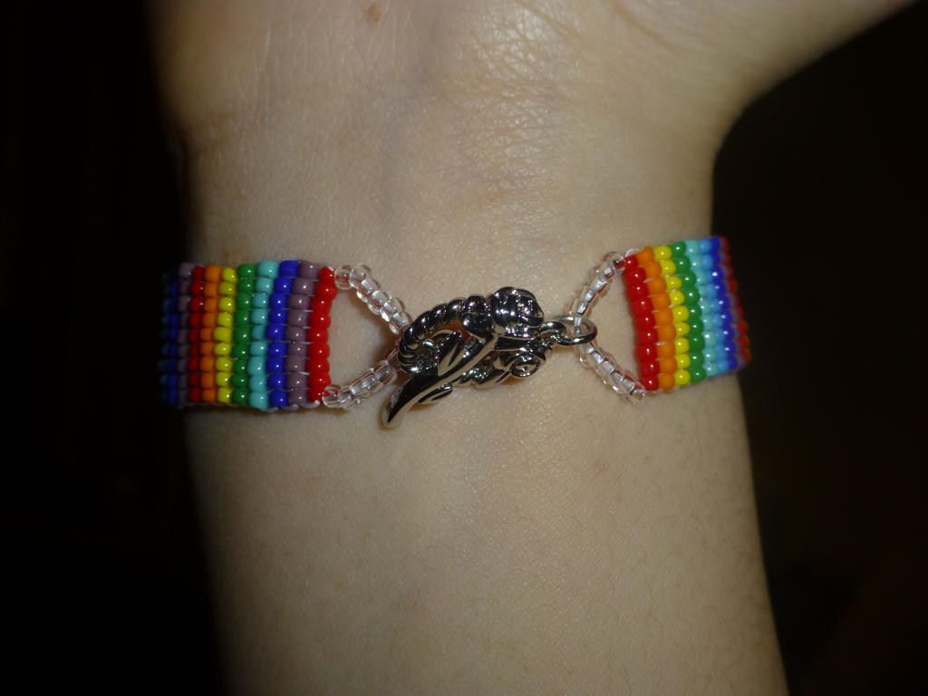 Rainbow bead 1 by Duck-With-No-Name