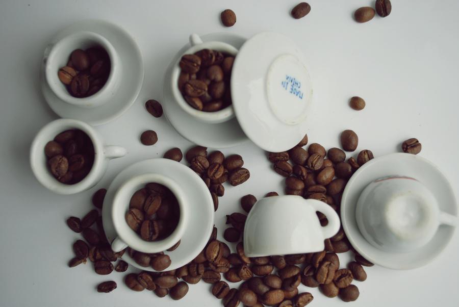 Coffee break by BigGirlsDoNotCry