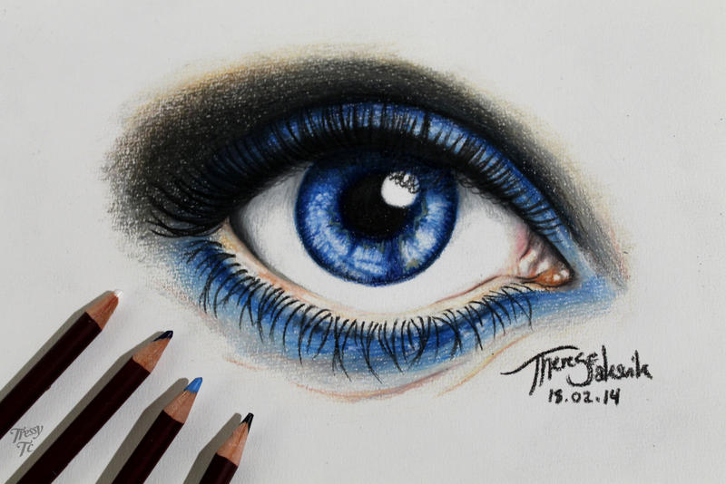 how to get really blue eyes