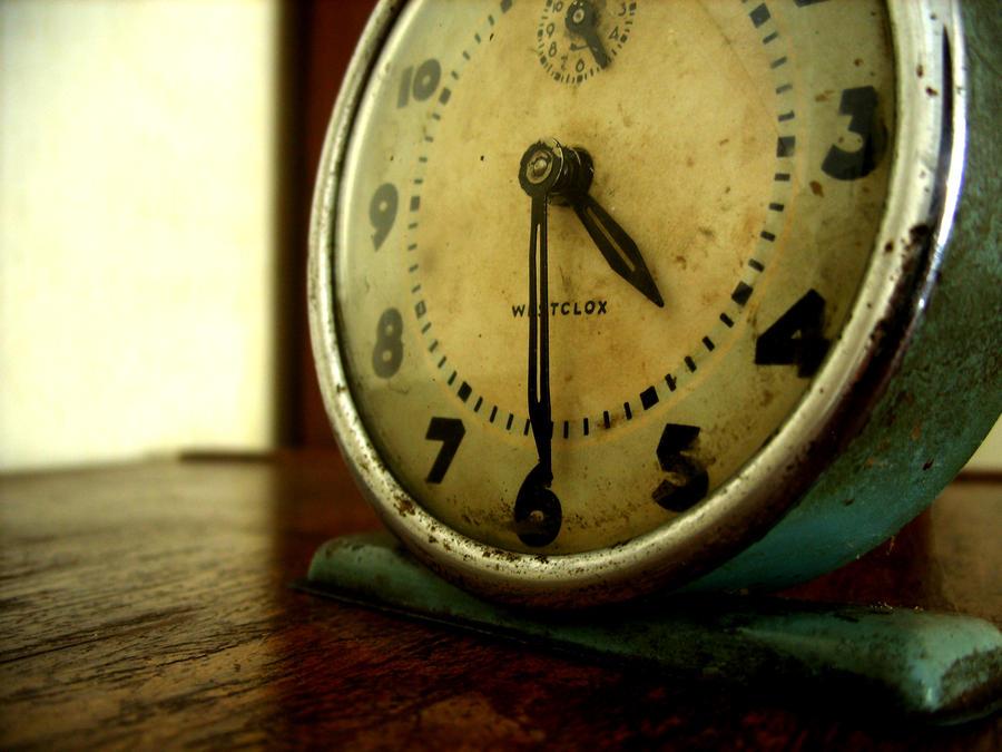 Satovi ,casovnici,vreme... 4_29_PM_by_Tinoca