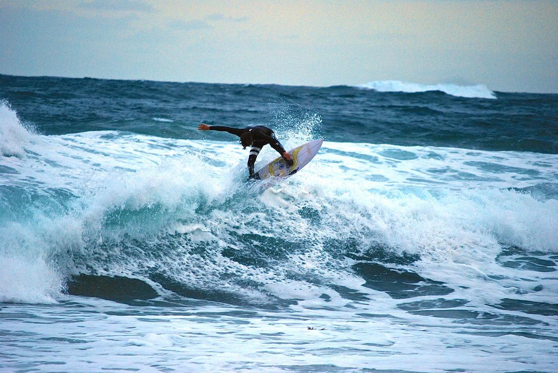 Av surf day by Noodough