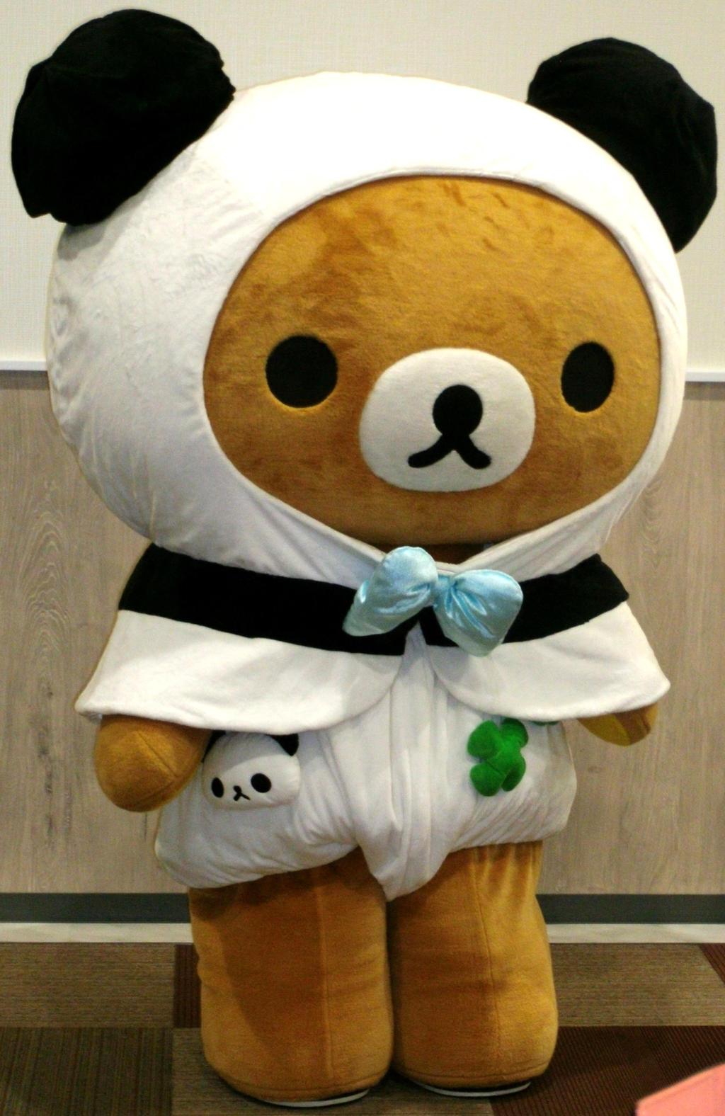 Rilakkuma meets Panda de goron 1 by yellowmocha