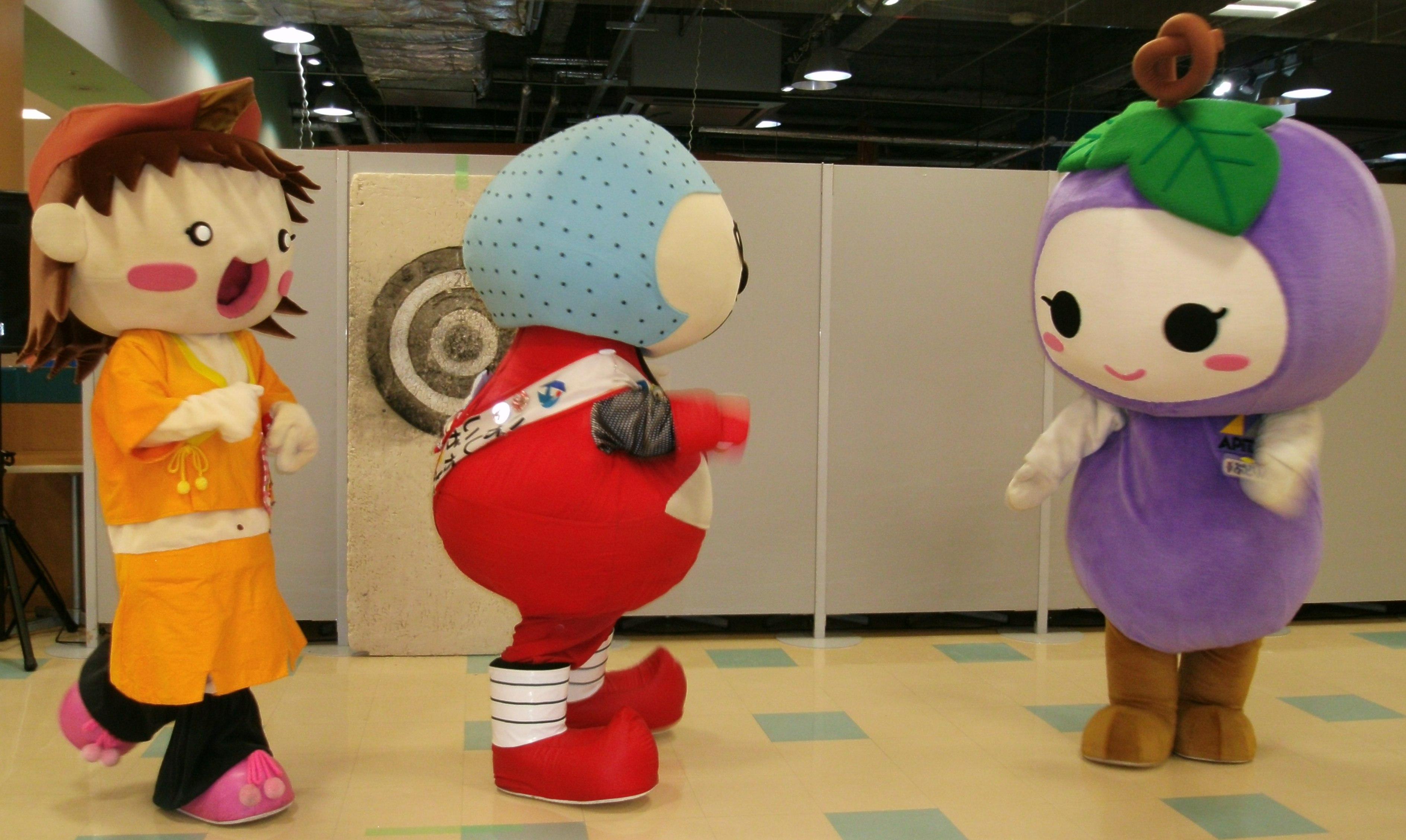 Haiku-chan and Iga Gurio and Budorin 2 by yellowmocha