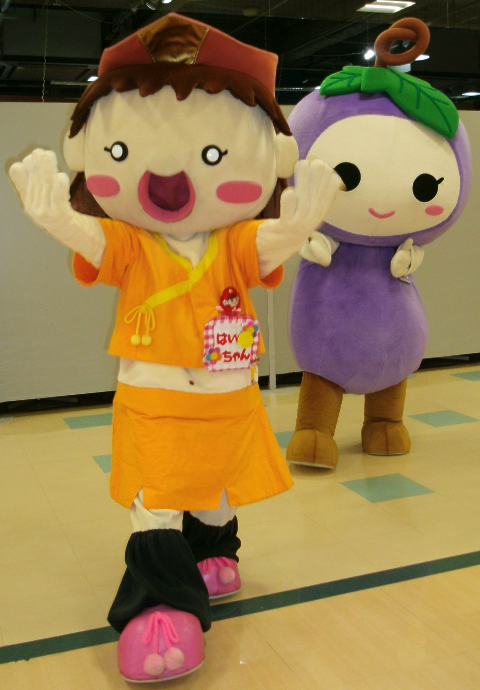 Haiku-chan and Budorin 1 by yellowmocha
