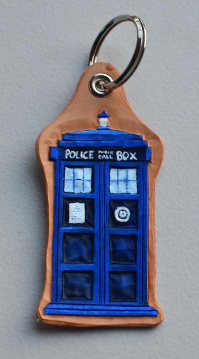 TARDIS keychain by CoreyChiev
