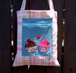 Cupcake bag with pocket