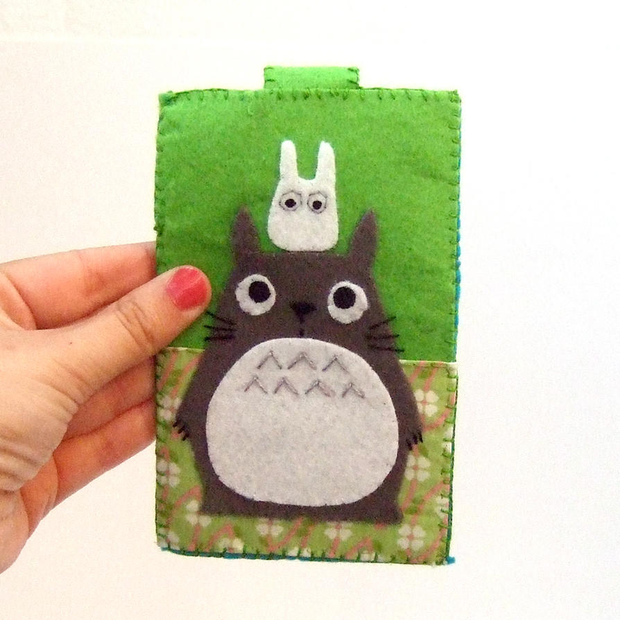 Totoro on my head by yael360