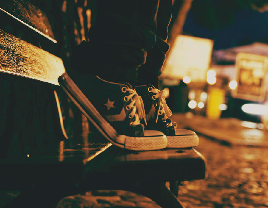 On tiptoe by MoonlessNightGirl