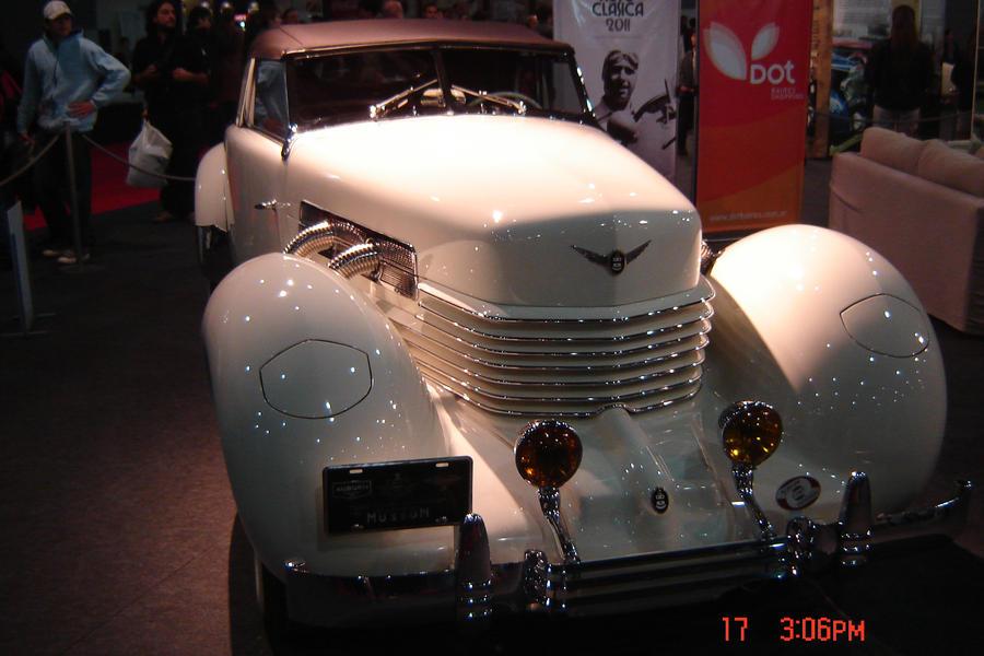 Auburn Cord 812 s-1937 by lauti97