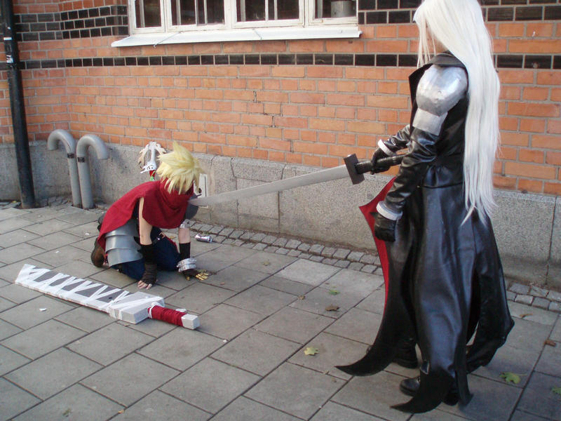 Cloud Defeated By Sephiroth by Niji-No-Kuroi-Bara