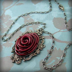 Full Bloom Necklace -rouge by True-Crimeberry
