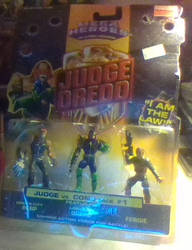 1995 mini Judge Dredd figures