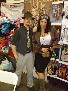 Phoenix ComiCon 2015 - Table and Booth Babe