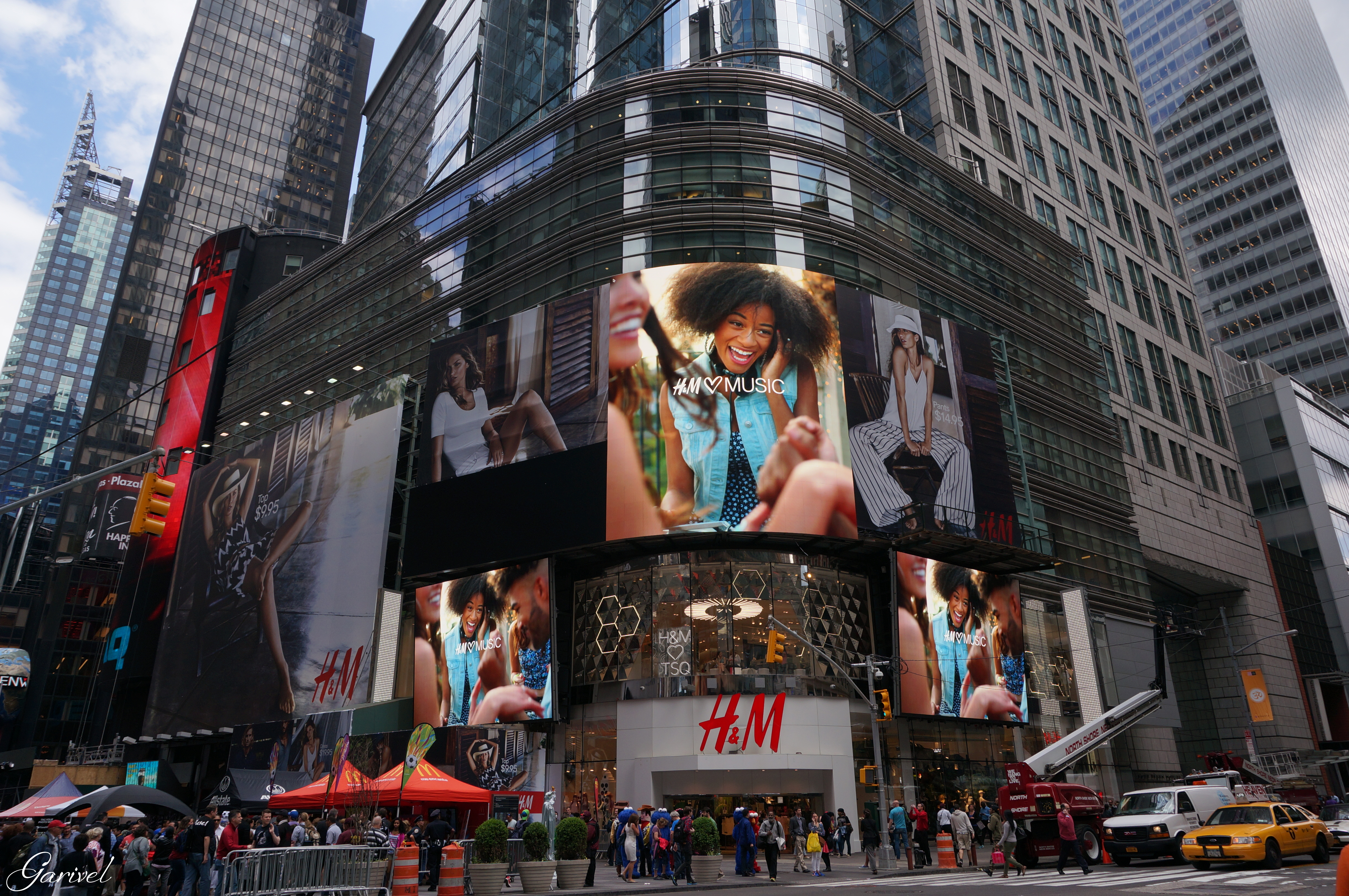 H and M - New York City by Garivel on DeviantArt