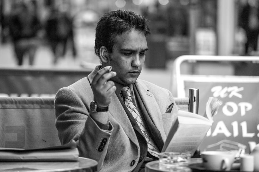 Reading, smoking and coffee by daliscar